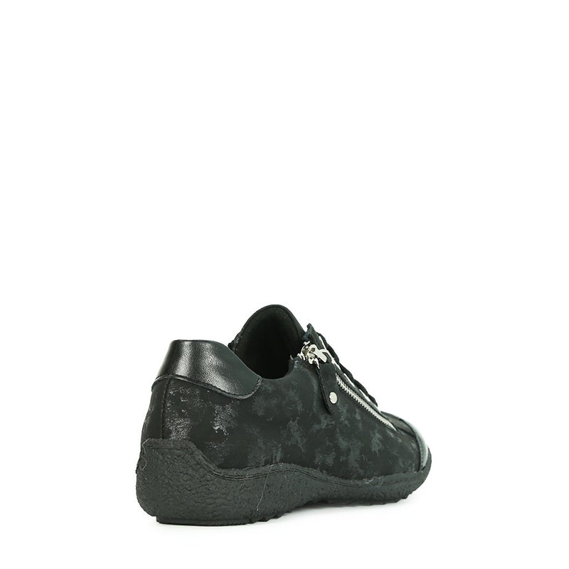 DORA - Urban Collective Footwear