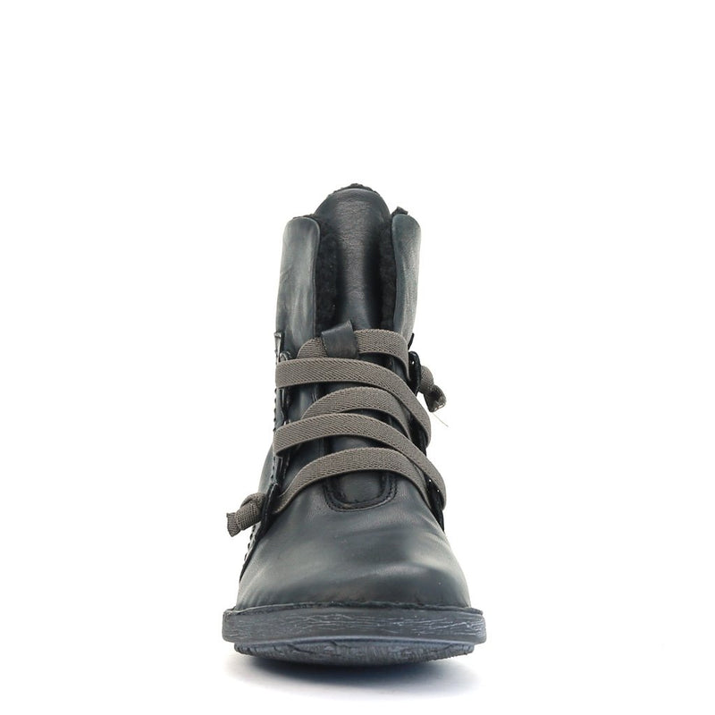 PAN - Urban Collective Footwear