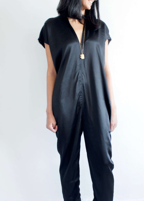 Everyday | Black silk charmeuse jumpsuit | Rue Saint Paul