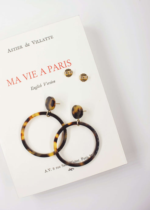 La Mademoiselle | Tortoise shell dangle hoop earrings | Rue Saint Paul