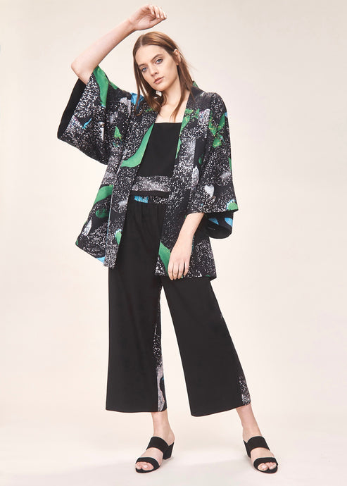 Reversible green and black print kimono  | Crono Zee | Rue Saint Paul