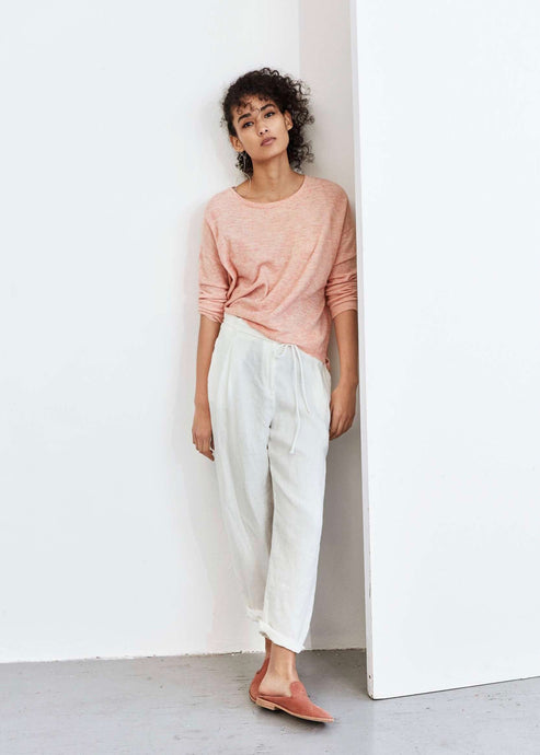 SANA | White relaxed tapered linen trousers | Rue Saint Paul