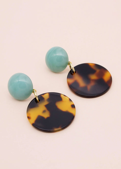 Shanghai Honey | Tortoise shell circle drop earrings | Rue Saint Paul