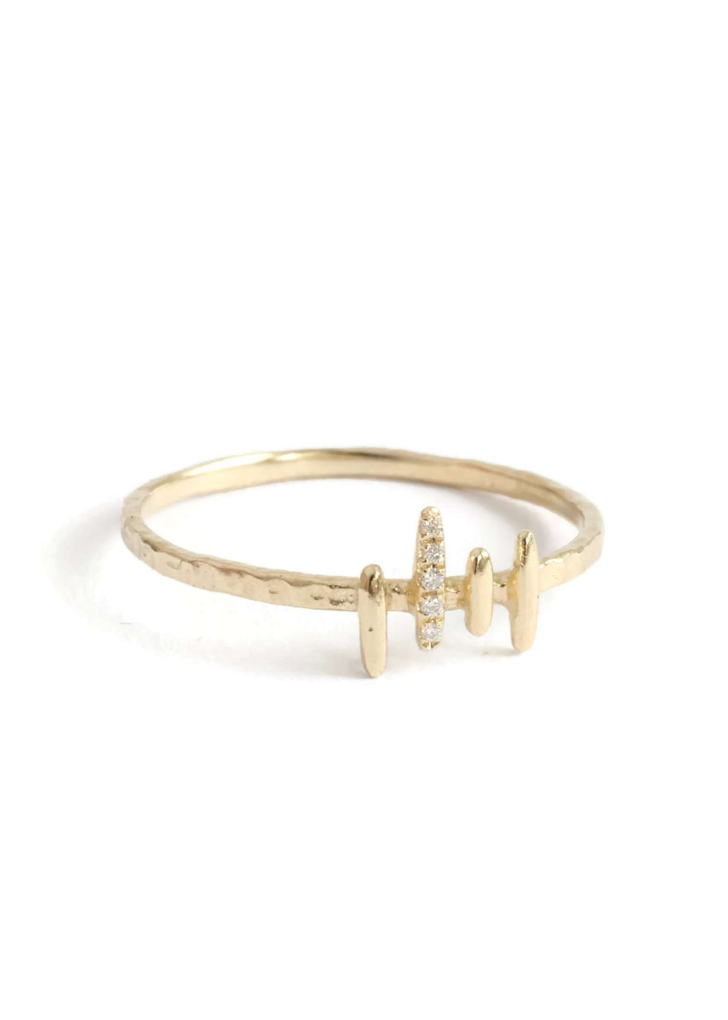 Honolulu Bebe | Minimal 14K gold and diamond wave ring | Rue Saint Paul