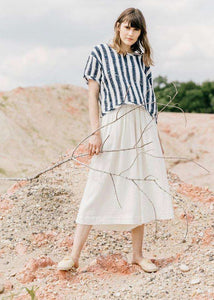 Leslie | White and blue stripped tee | Rue Saint Paul