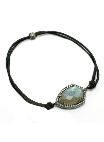 Gemtye Material Girl Labradorite - Medium/Large