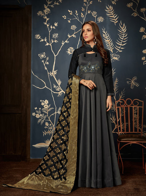 Grab This Designer Readymade Gown In Black Color