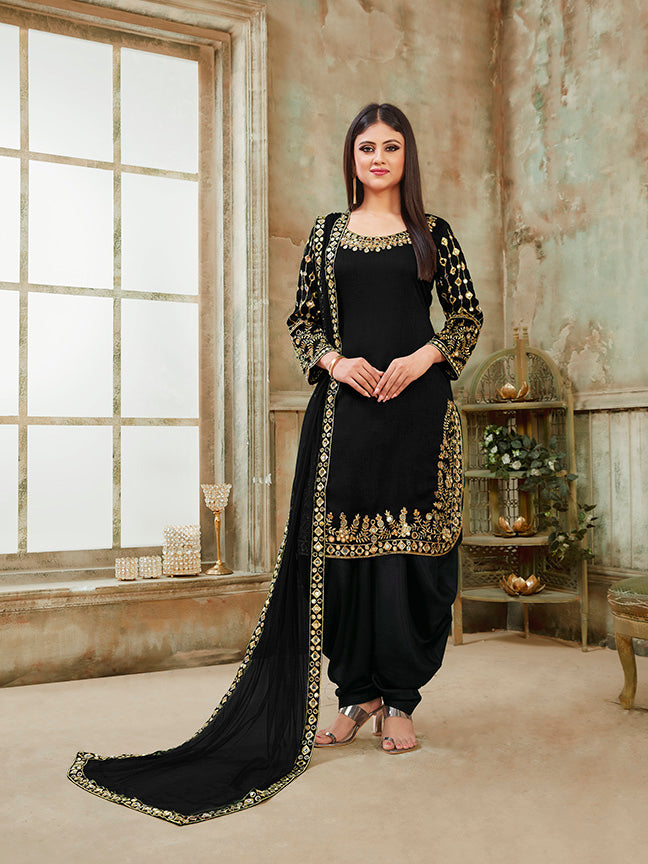 Here Is A Very Beautiful And Attractive Looking Heavy Designer Suit In All Over Black Color
