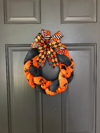 Halloween Braided Fabric Wreath, Black Cats Pumpkins Orange and Black Front Door Decor, Trick or Treat Decoration, Kats Creations 777