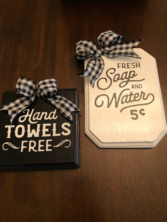 Black and White Vintage Bath Sign Set