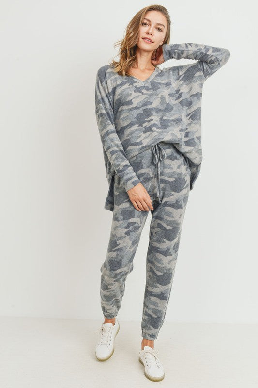 *FINAL SALE* The Chic Camo Joggers