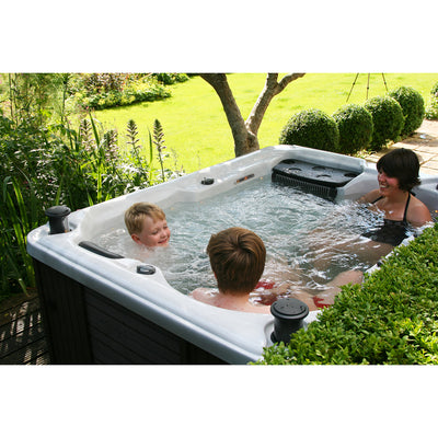 Quebec Plug & Play 29-Jet 3-Person Spa