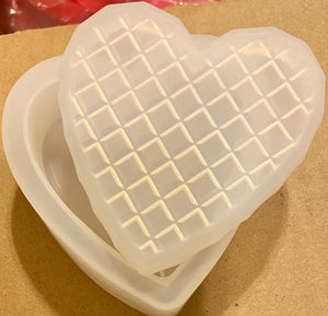 Heart Trinket Box with Diamond Pattern Mold