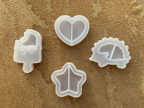 Shaker Mold Set of 4