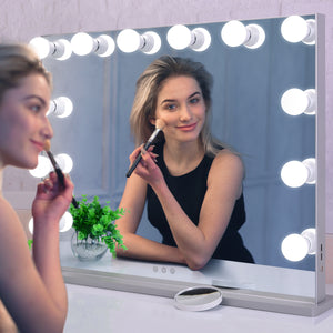 This affordable lighted vanity mirror from BEAUTME is perfect for applying makeup