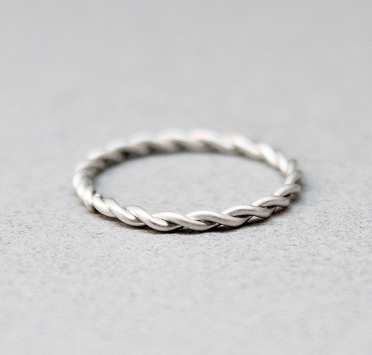 White Gold Twist Band