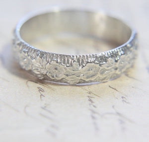 Pansy Engraved Band