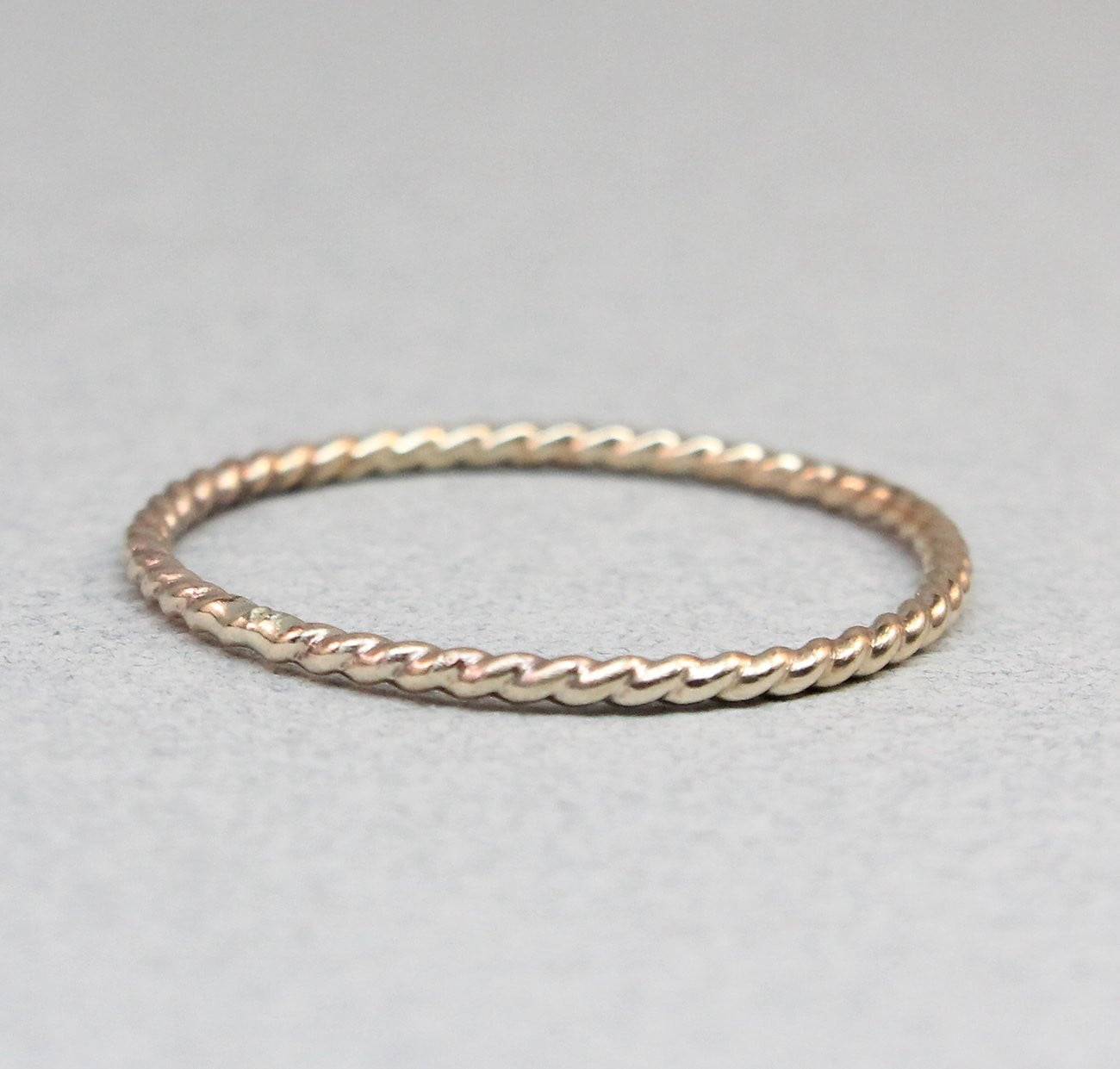 14K Gold Thin Twist Band