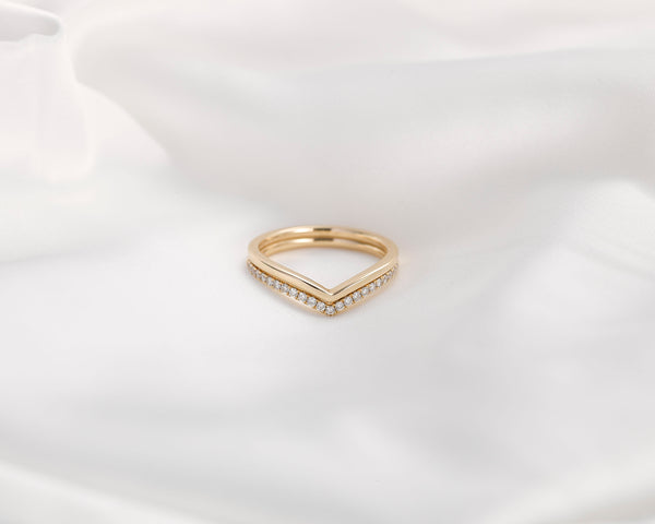 Chevron Diamond Ring - Jureve