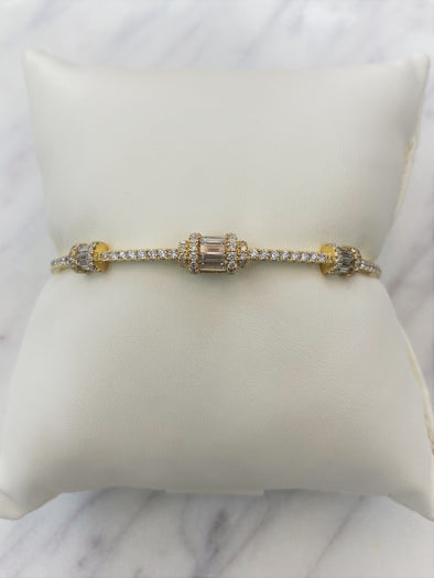18K Yellow Gold Round + Baguette Diamond Hinged Bangle