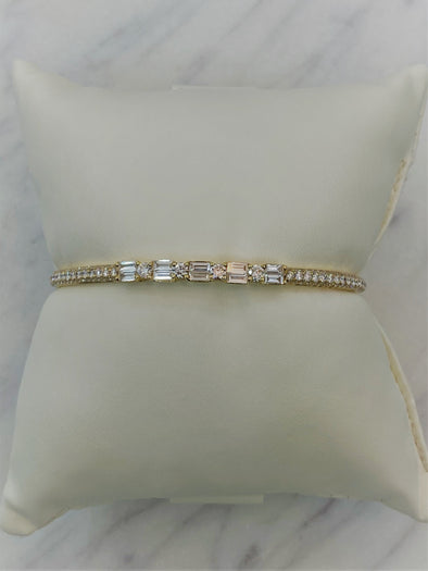 18K Yellow Gold Round + Baguette Diamond Cuff Bangle