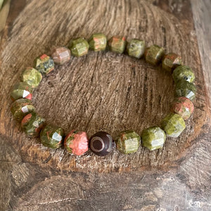 Unakite for childbirth, living in the present, carpe diem