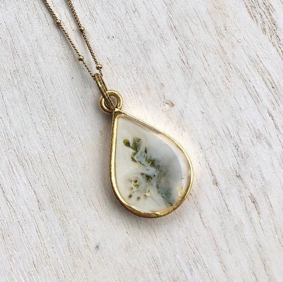 Foggy flowers gold teardrop pendant necklace