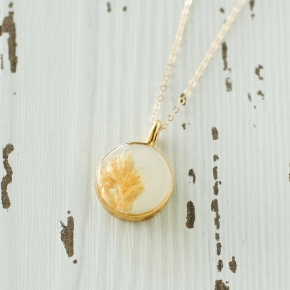 Small Gold Necklace, Resin and Leaf Gold Dainty Chain Necklace