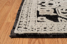 United Weavers  Chenille  Lattice  1515 40276  Onyx  Area Rug