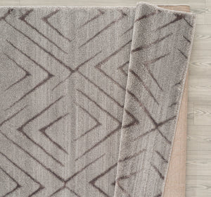 United Weavers  Mystique  Aisling  1955 02372  Grey  Area Rug