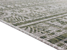 United Weavers  Augusta  Diani  Green  Area Rug