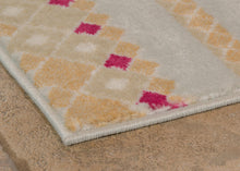 United Weavers  Modern Textures  Taser  595 40617  Natural  Area Rug