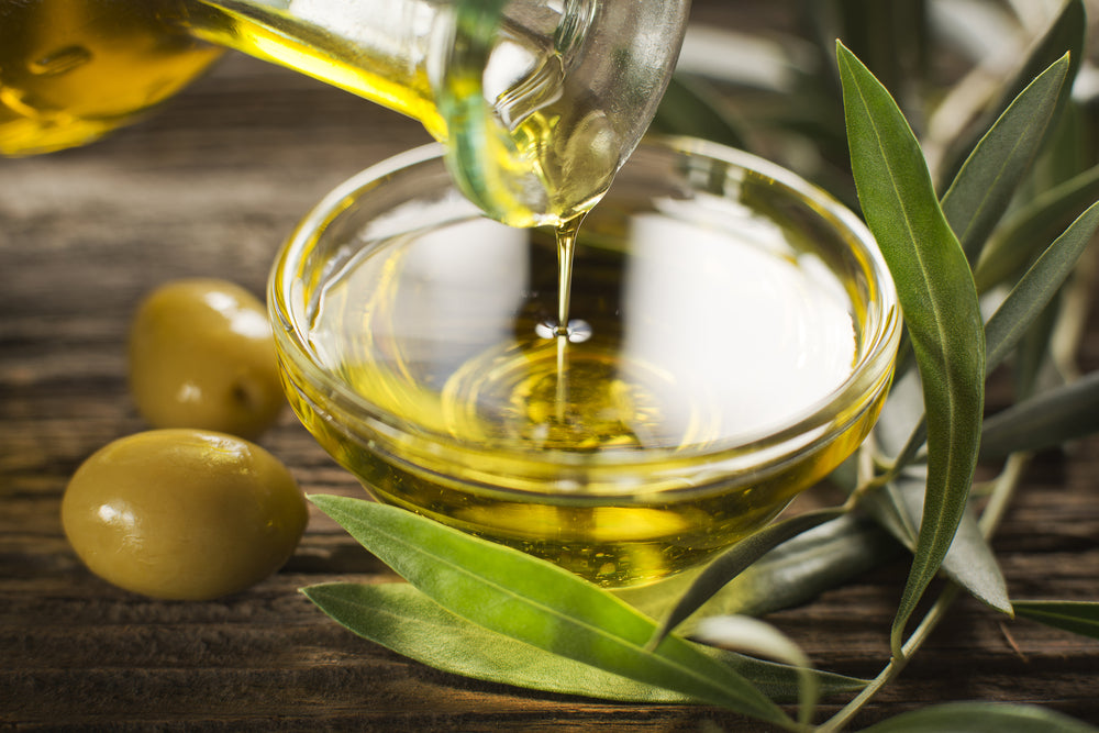 Extra virgin olive oil is a good source of healthy fat on a keto diet