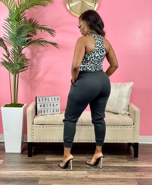 Kerri Jogger Set (Gray Leopard/Charcoal)