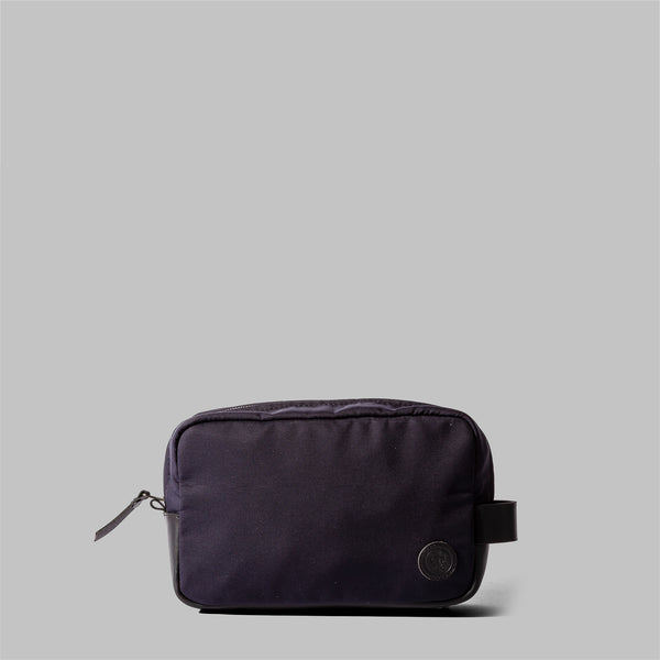 Brindley | Mens Navy Nylon & Leather Wash Bag | Thorndale, UK