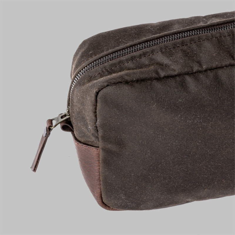 Brindley | Mens Olive Green Waxed Wash Bag | Thorndale, UK