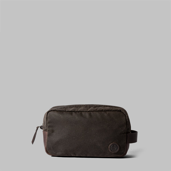 Brindley | Mens Olive Green Waxed Cotton Wash Bag | Thorndale, UK
