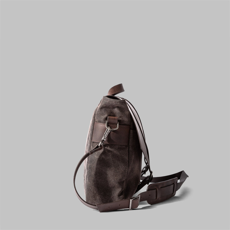 Portland | Mens Messenger Bag | Thorndale, UK