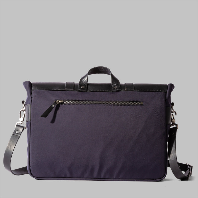 Portland | Navy Nylon & Leather Messenger Bag | Thorndale