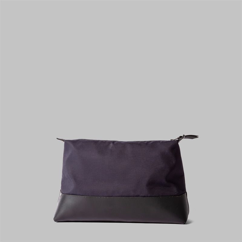 Silverdale | Womens Navy Wash Bag | Thorndale, UK