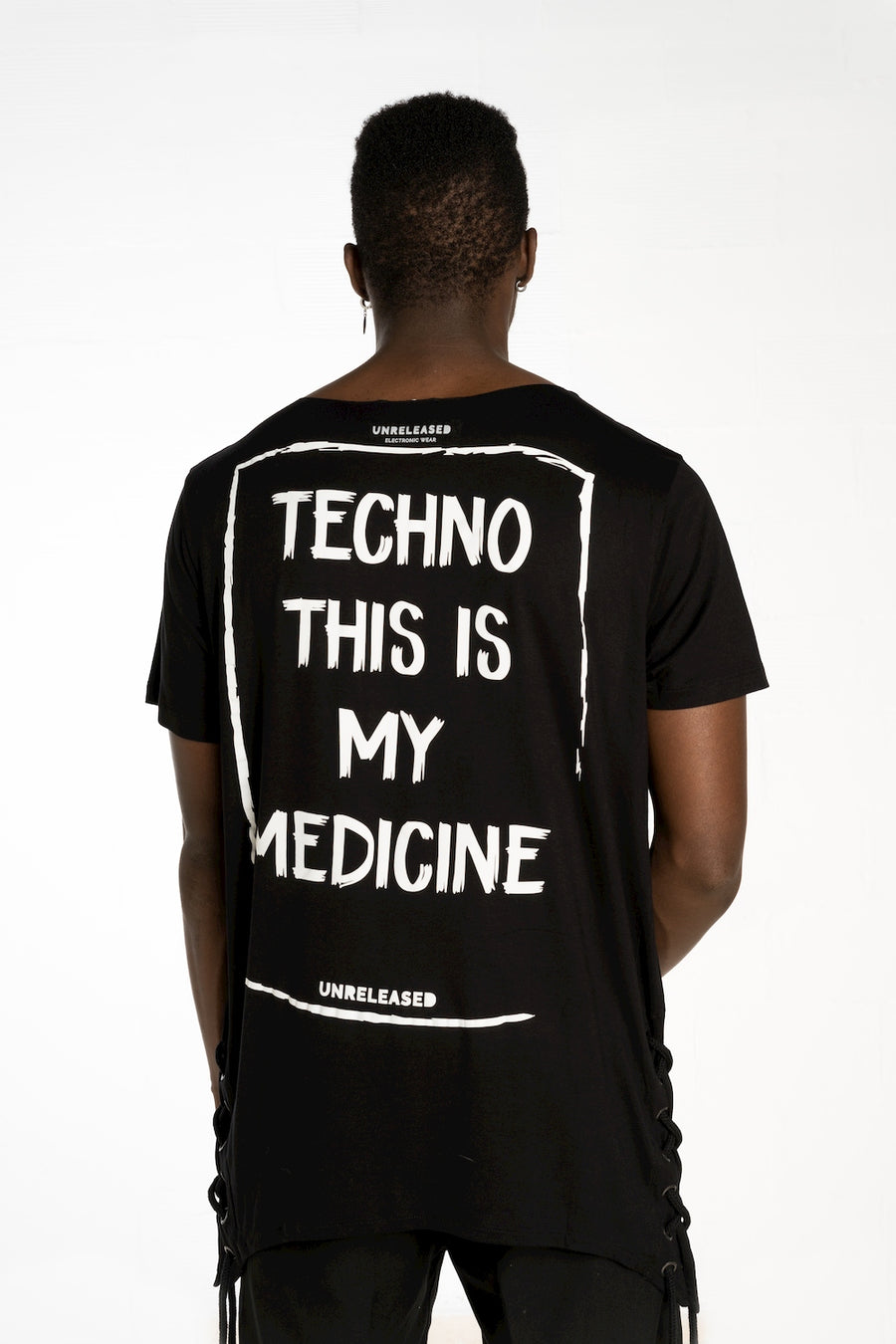 "T-SHIRT ""TECHNO IS MY MEDICINE"""