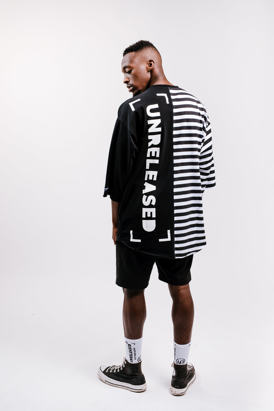 MEN'S OVERSIZE T-SHIRT COMBINED WITH STRIPES WITH PLAIN