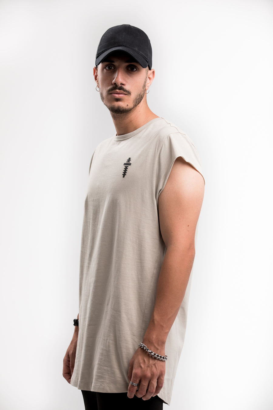 CUTTED SLEEVES T-SHIRT – GREY