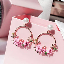 Load image into Gallery viewer, Pearl Circle Flower Drop Earrings