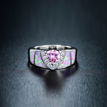 Load image into Gallery viewer, Unisex Trillion-Cut Shimmery Ring