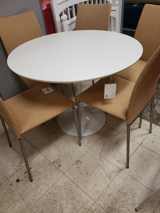 item # 500: Astrid dining table