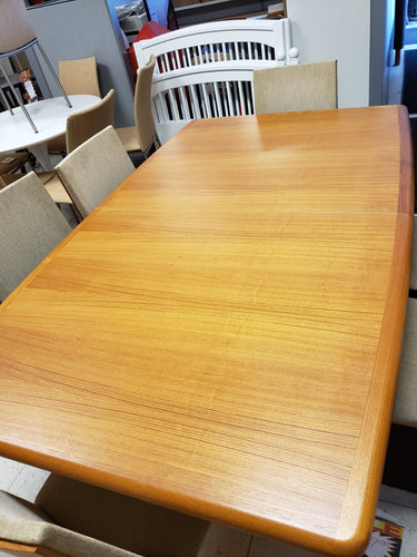 Item #486: Teak dining table with 2 leaves