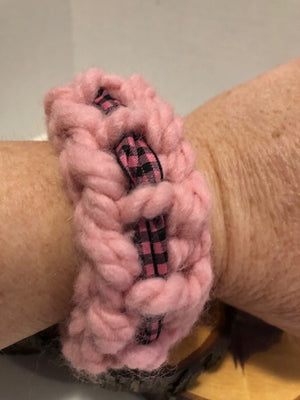 Pink with Ribbon Yarn Bracelet