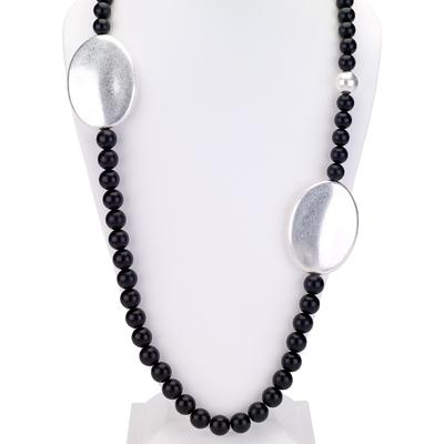 Beaded chunky necklace with oval disks silver