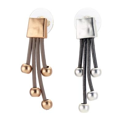 Square stud earring with leather drops